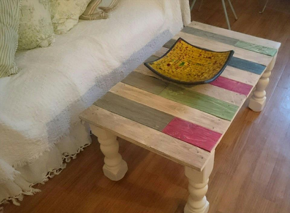 Accentuated pallet coffee table