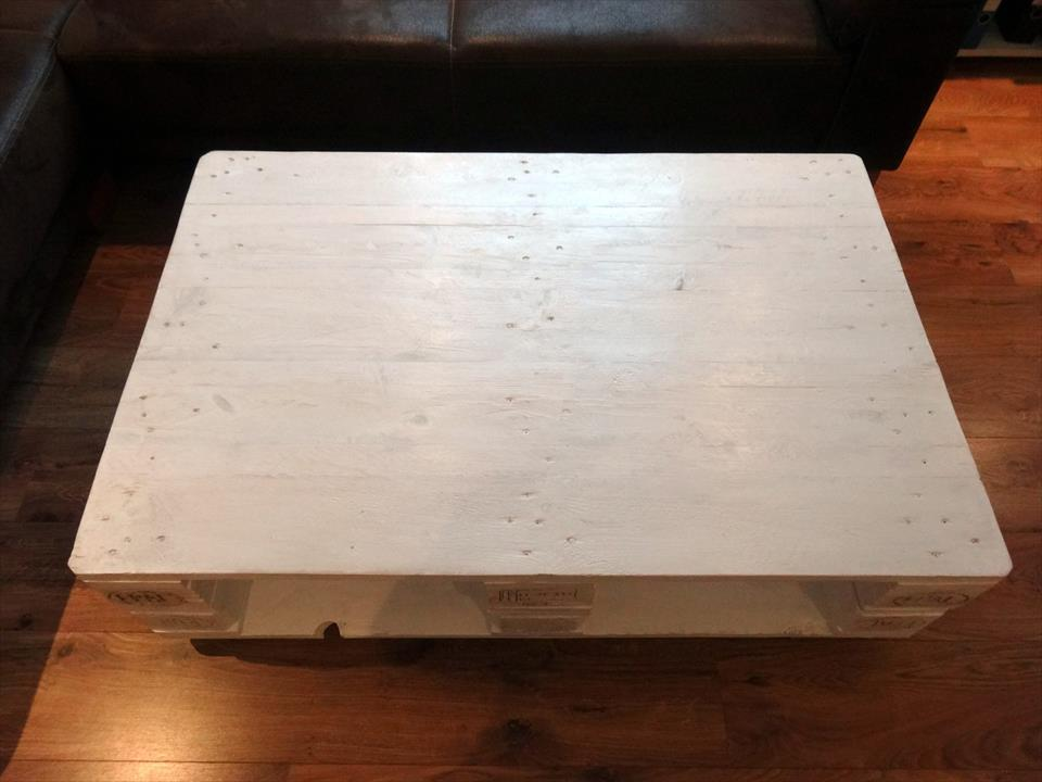 2 pallet coffee table