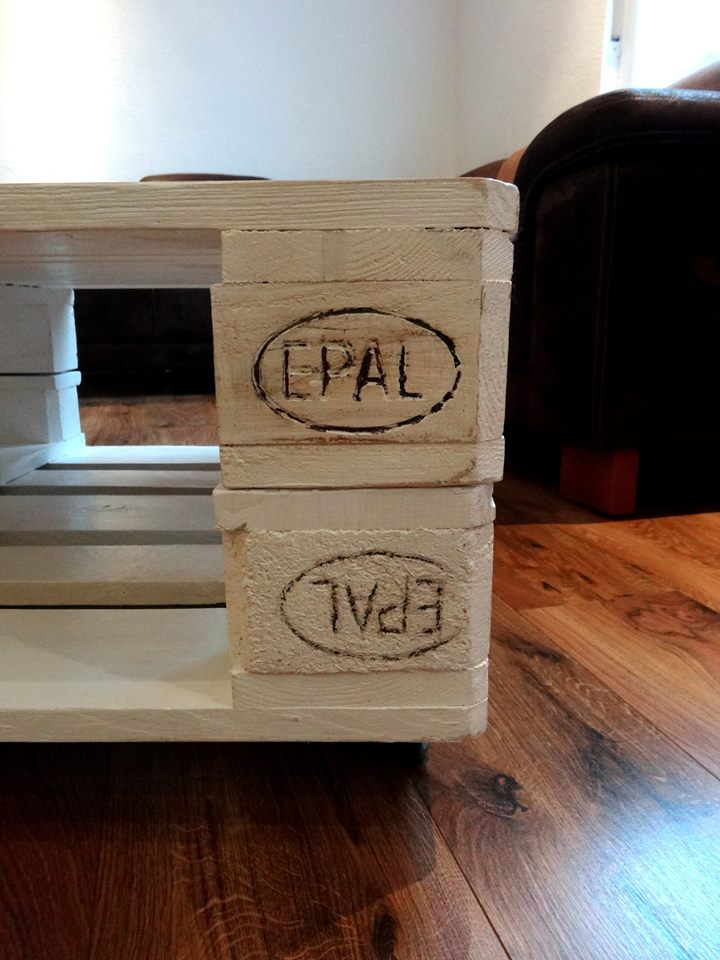 no-cost wooden pallet coffee table with wheels