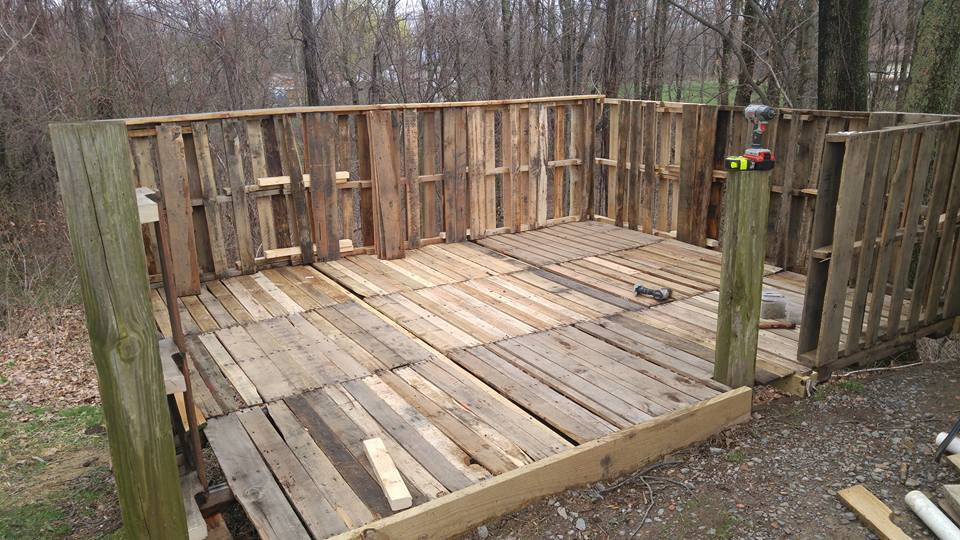 upcycled pallet deck